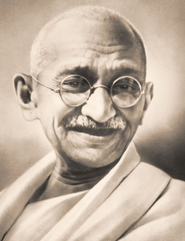 THE TWO SIDES OF GANDHI'S LEADERSHIP (2/6)