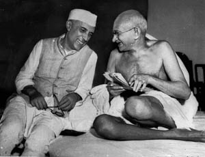 THE TWO SIDES OF GANDHI'S LEADERSHIP (3/6)