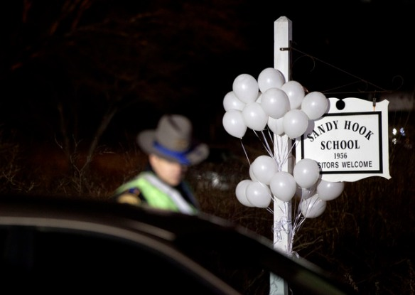 SPIRITUALISM AND VIOLENCE: GRIEF AND COMPASSION AT SANDY HOOK ELEMENTARY SCHOOL.
