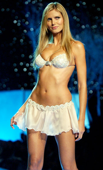 "WHOLEDUDE - WHOLE EXPOSE: Heidi Klum 2001 ""Heavenly Star"" bra is valued at US $12.5 million."