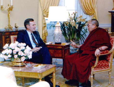 SPECIAL FRONTIER FORCE AT THE WHITE HOUSE: On April 16, 1991, the 14th Dalai Lama met with US President George H.W. Bush during his first visit to The White House.
