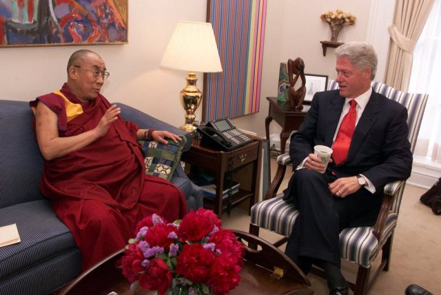 SPECIAL FRONTIER FORCE AT THE WHITE HOUSE: The 14th Dalai Lama met with US President Bill Clinton on June 20, 2000 at The White House.