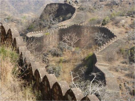 BHARAT DARSHAN - GREAT FORT WALL OF KUMBHALGARH, RAJASTHAN.