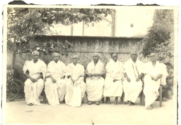 SPIRITUALITY SCIENCE - ESSENCE - IDENTITY - UNITY - EXISTENCE: MY IDENTITY AND MY CONNECTION. I CALL MYSELF AS 'REBBAPRAGADA', BUT MY MOTHER BELONGS TO THE 'KASTURI' FAMILY. THIS IS A PICTURE OF KASTURI BROTHERS. FROM LEFT TO RIGHT, 1. DR. KASTURI NARAYANA MURTHY, M.D.(MY MATERNAL GRANDFATHER), 2. KASTURI. SESHAGIRI RAO( MARRIED TO MRS. RUKMINI, DAUGHTER OF DR. SARVEPALLI RADHAKRISHNAN), 3. KASTURI NARASIMHA RAO, 4. KASTURI KRISHNA RAO, 5. KASTURI SOMESHWARA RAO, 6. KASTURI RAMACHANDRA RAO, AND 7. KASTURI SIVAPRASADA RAO(FAR RIGHT).