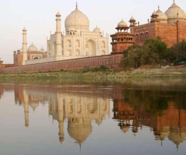 Bharat Darshan - Status of Taj Mahal