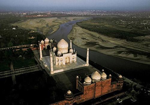 Bharat Darshan - Status of Taj Mahal.